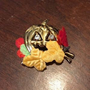 Avon Halloween Fall Leaves Jack-o-lantern Pin
